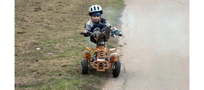 Андрей, 4.5 года. Квадроцикл DS-ATV 22C